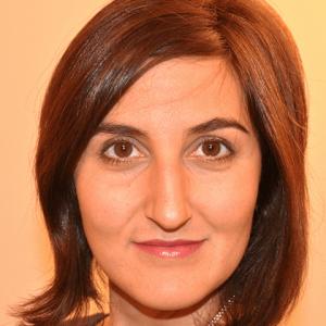 Camille Mofidi Headshot